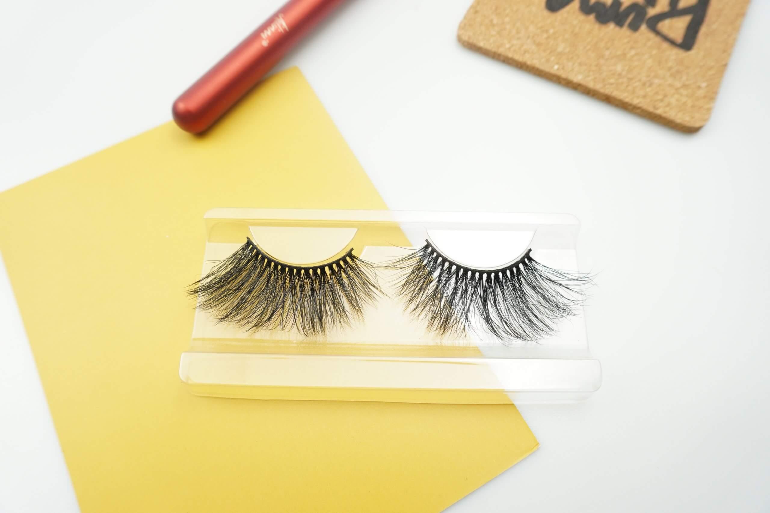 glamourous 25mm lashes